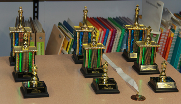Vancouver Burnaby Chess Club Trophies, Medals and Classes in Coquitlam, Port Coquitlam, Surrey, New Westminster and the lower mainland in BC